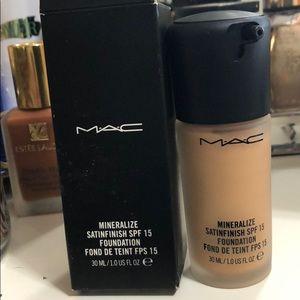 Mac Mineralize Satin finish
